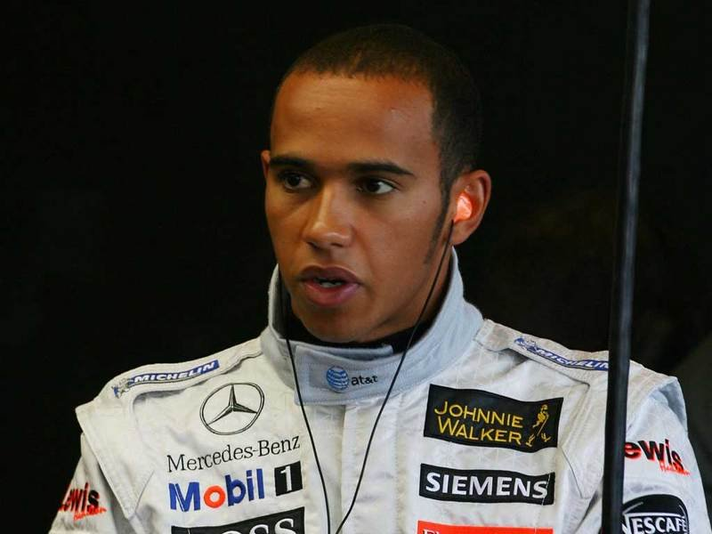 Lewis Hamilton`s contract extended with five more years