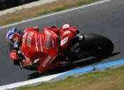 Perfect start to Phillip Island test for Stoner and Melandri - image 229154