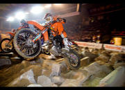 Taddy Blazusiak snatched victory at Rodeo-X Endurocross - image 226980