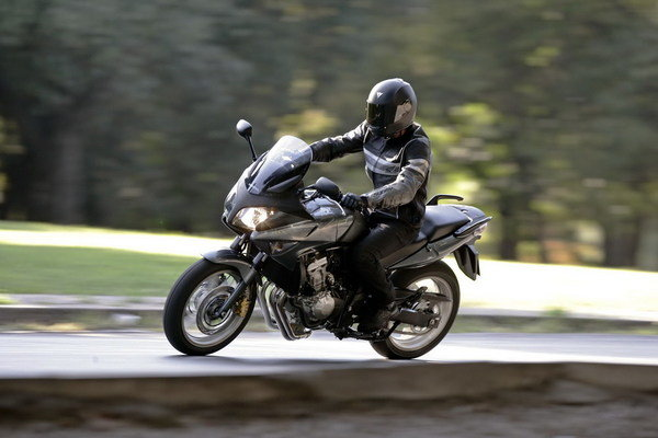 Reading Utility Body >> 2008 Honda CBF600S | motorcycle review @ Top Speed