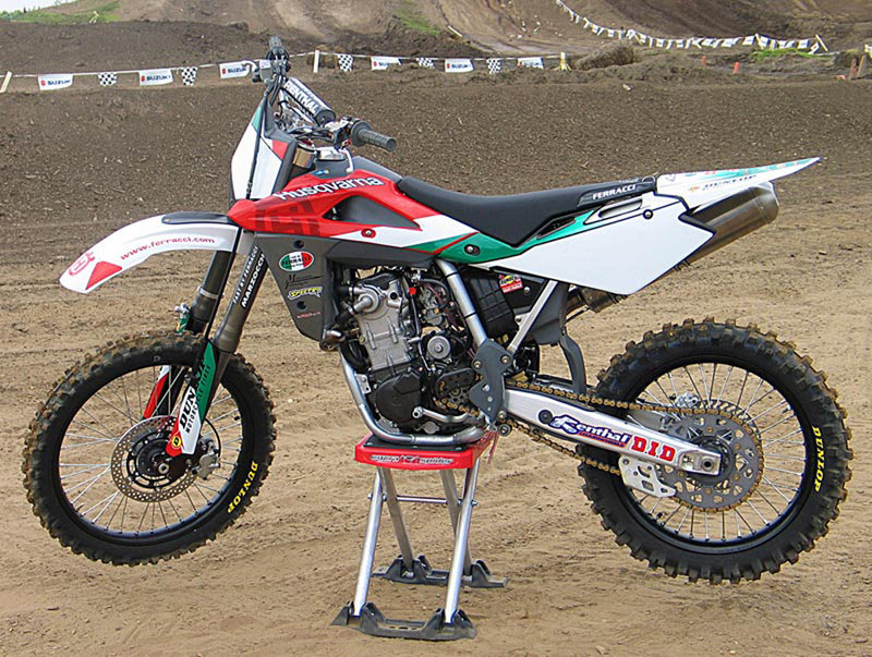 2008 ktm 200 xc and xc w review top speed. Black Bedroom Furniture Sets. Home Design Ideas