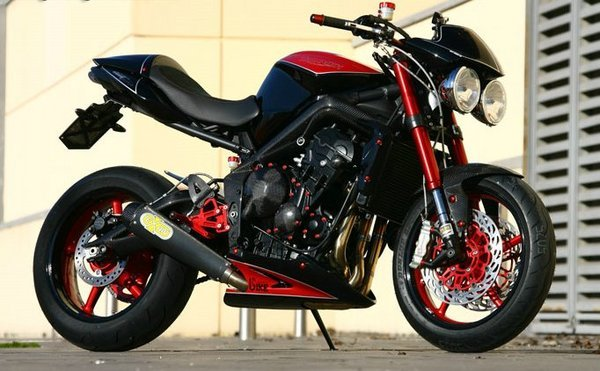 february special triumph 675 r street triple motorcycle. Black Bedroom Furniture Sets. Home Design Ideas
