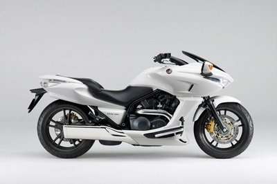 Honda launches the new DN-01 large sports cruiser with innovative automatic HFT
