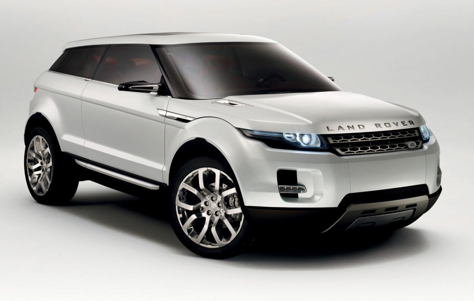https://pictures.topspeed.com/IMG/crop/200802/land-rover-lrx-conce-1_1600x0w.jpg