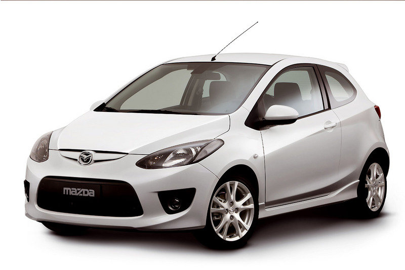 Mazda2 three-door version first official images