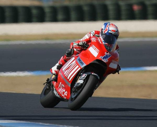 stoner smashes phillip island record melandri signs off satisfied picture