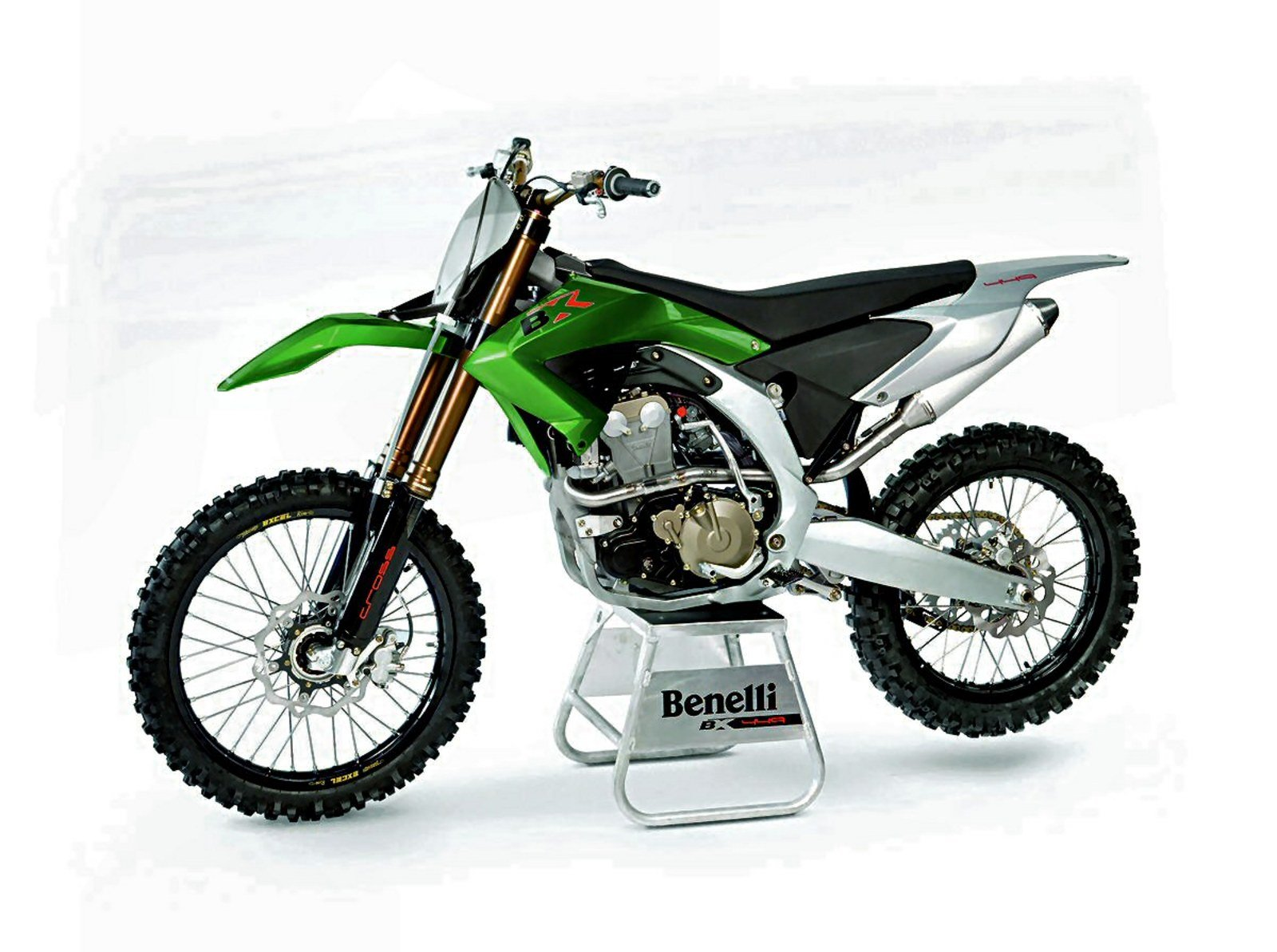 benelli bx  cross review top speed