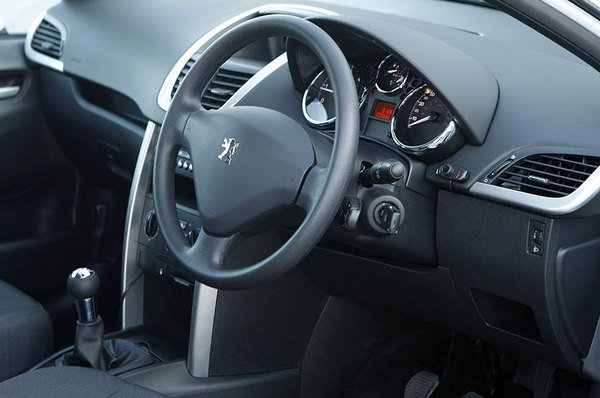 2008 peugeot 207 sports van car review top speed. Black Bedroom Furniture Sets. Home Design Ideas