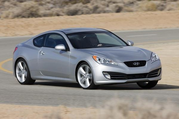 2010 hyundai genesis coupe car review top speed. Black Bedroom Furniture Sets. Home Design Ideas