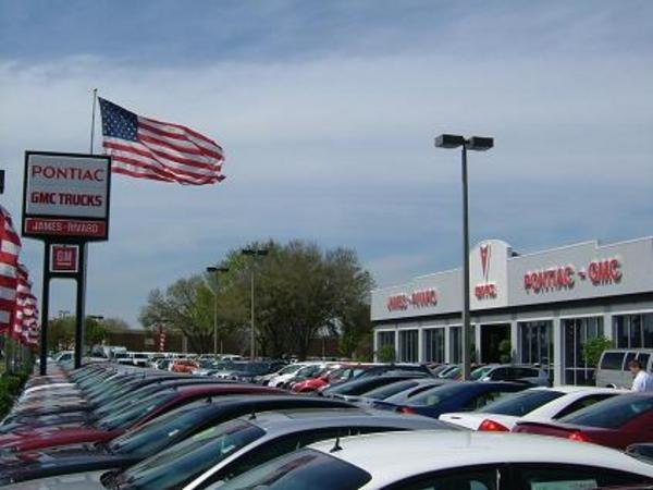 Car Sales Plummet Time To Buy Or Lease Car News