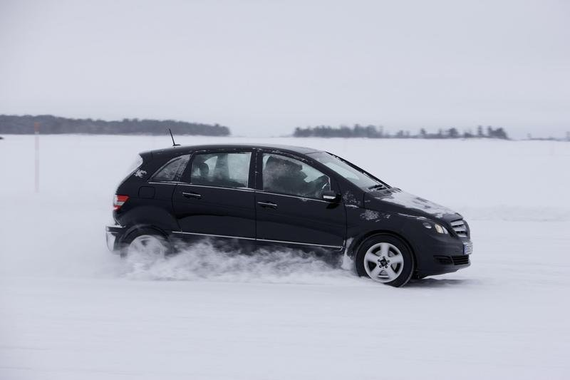 Mercedes B-Class fuel-cell tested in northern Sweden