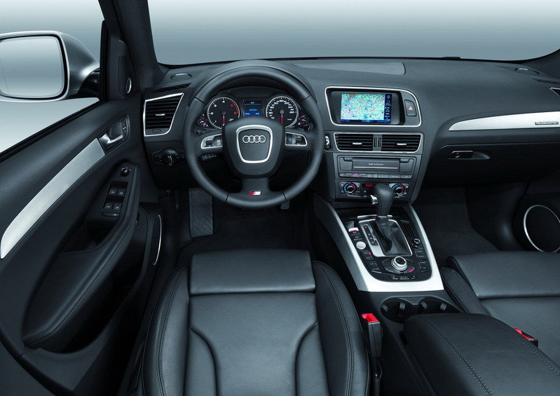 Audi Q5 S-Line first official images - image 244659