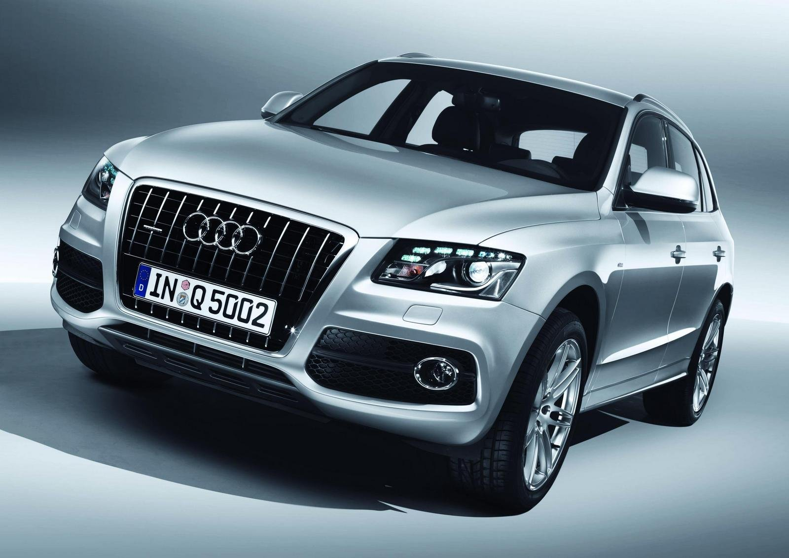 audi q5 s line first official images news top speed. Black Bedroom Furniture Sets. Home Design Ideas