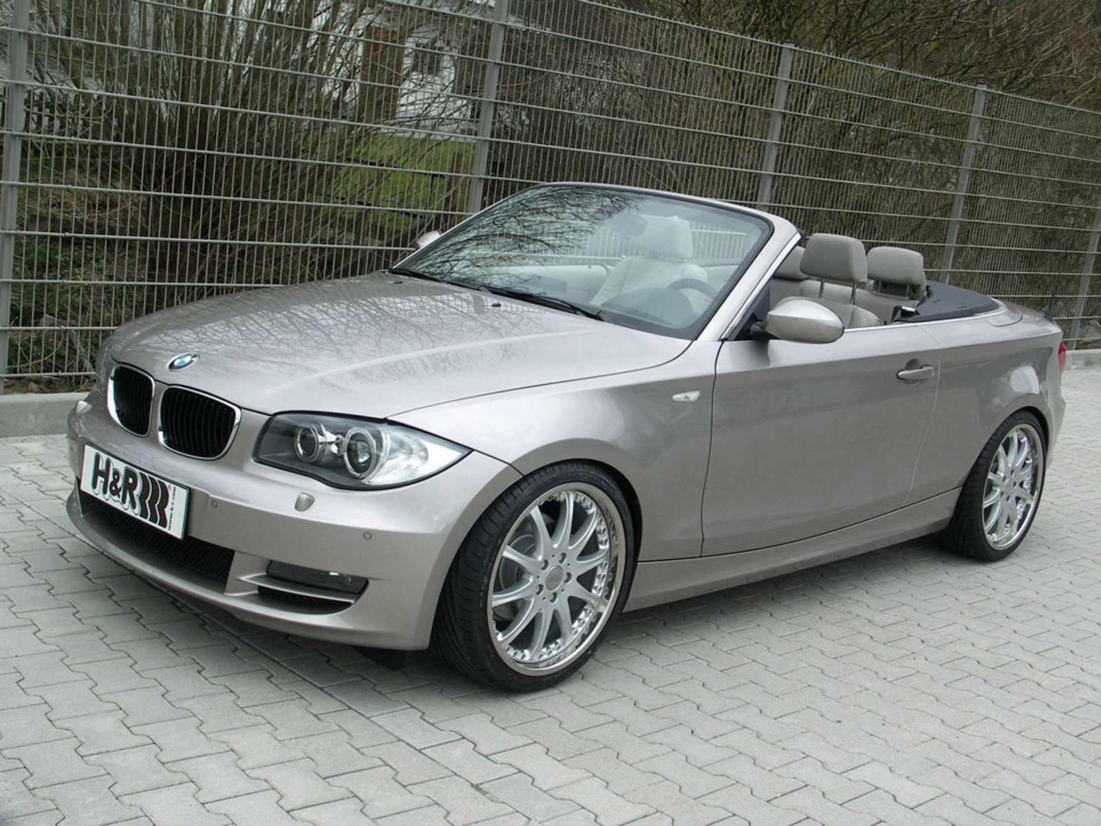 bmw 1 series convertible by h r news gallery top speed. Black Bedroom Furniture Sets. Home Design Ideas