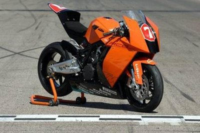 KTM: 2010 Superbike with the RC8
