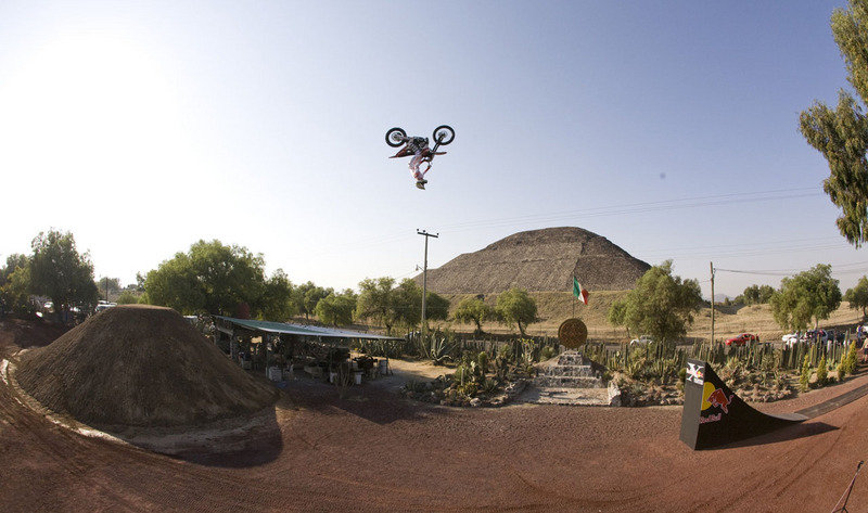 Red Bull X-Fighters: the season begins!