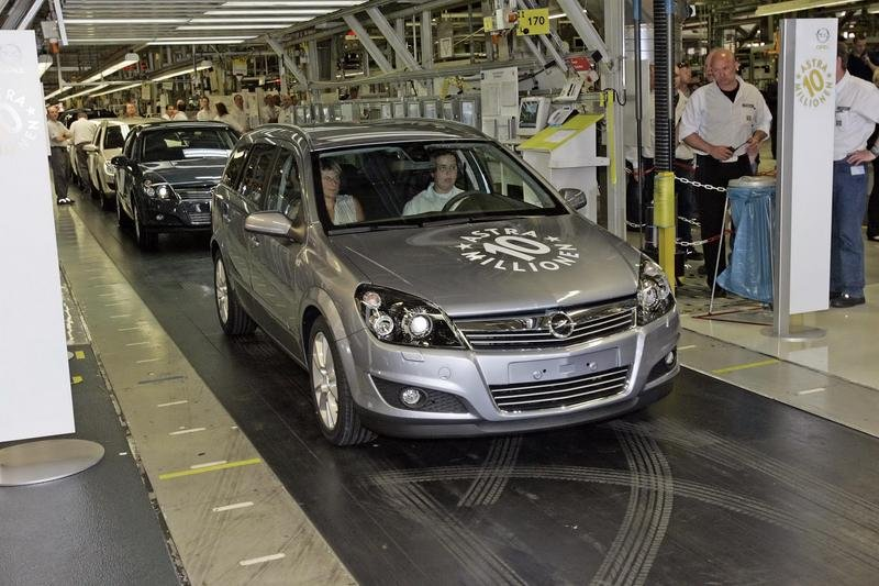 10 millionth Opel Astra built today