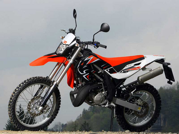 2009 aprilia rx 125 sx 125 motorcycle review top speed. Black Bedroom Furniture Sets. Home Design Ideas
