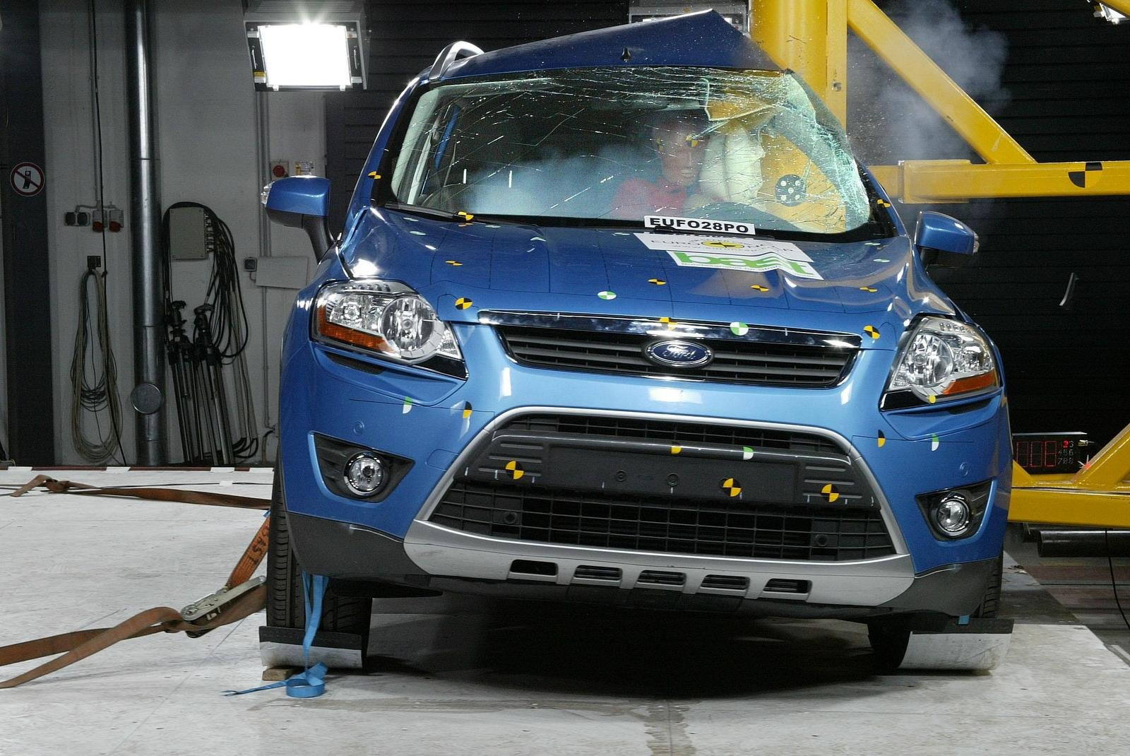 five euro ncap stars for the new ford kuga news top speed. Black Bedroom Furniture Sets. Home Design Ideas