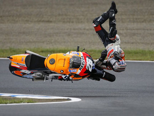 picture of the day pedrosa s s art of flying picture