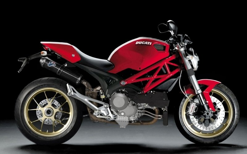 The Ducati Monster S4R 1098 in the French Vision.