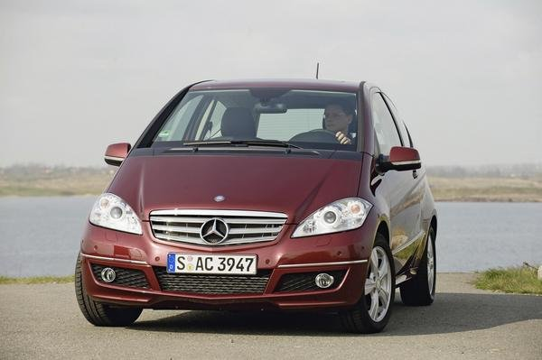 2009 mercedes a class review top speed. Black Bedroom Furniture Sets. Home Design Ideas