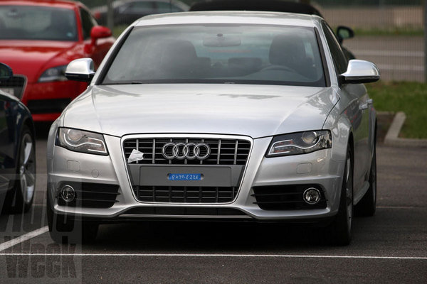 2010 audi s4 caught testing picture