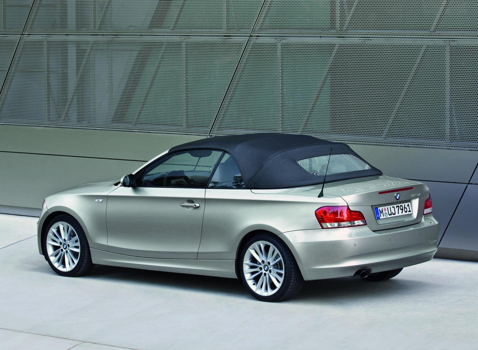 2009 bmw 1 series picture 257242 car review top speed. Black Bedroom Furniture Sets. Home Design Ideas