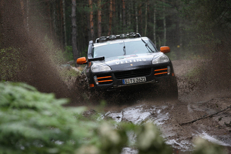 Porsche already on the first 8 places in Transsyberia Rally - image 256361