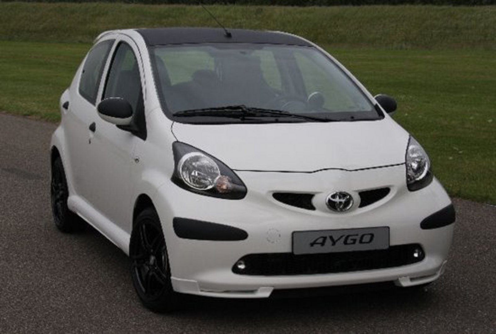 2008 toyota aygo xposed edition review gallery top speed. Black Bedroom Furniture Sets. Home Design Ideas