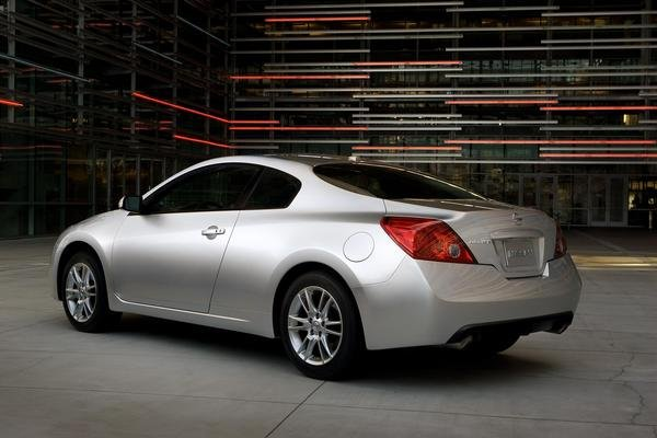 2009 nissan altima coupe car review top speed. Black Bedroom Furniture Sets. Home Design Ideas