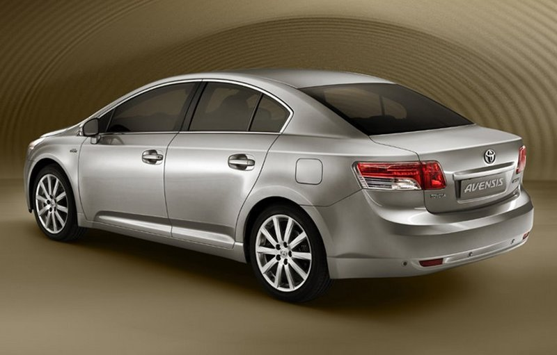 2009 Toyota Avensis - first official image