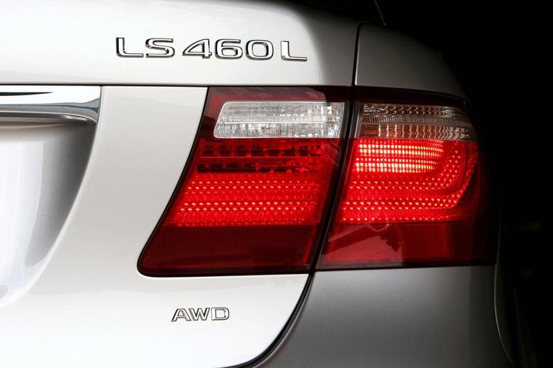 AWD Lexus LS 460 coming to USA in October