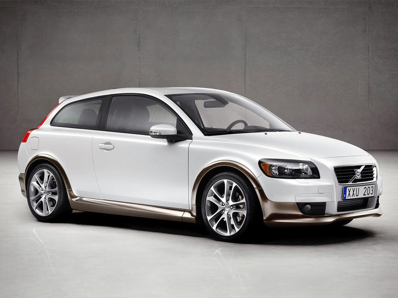 Volvo small crossover coming in 2010
