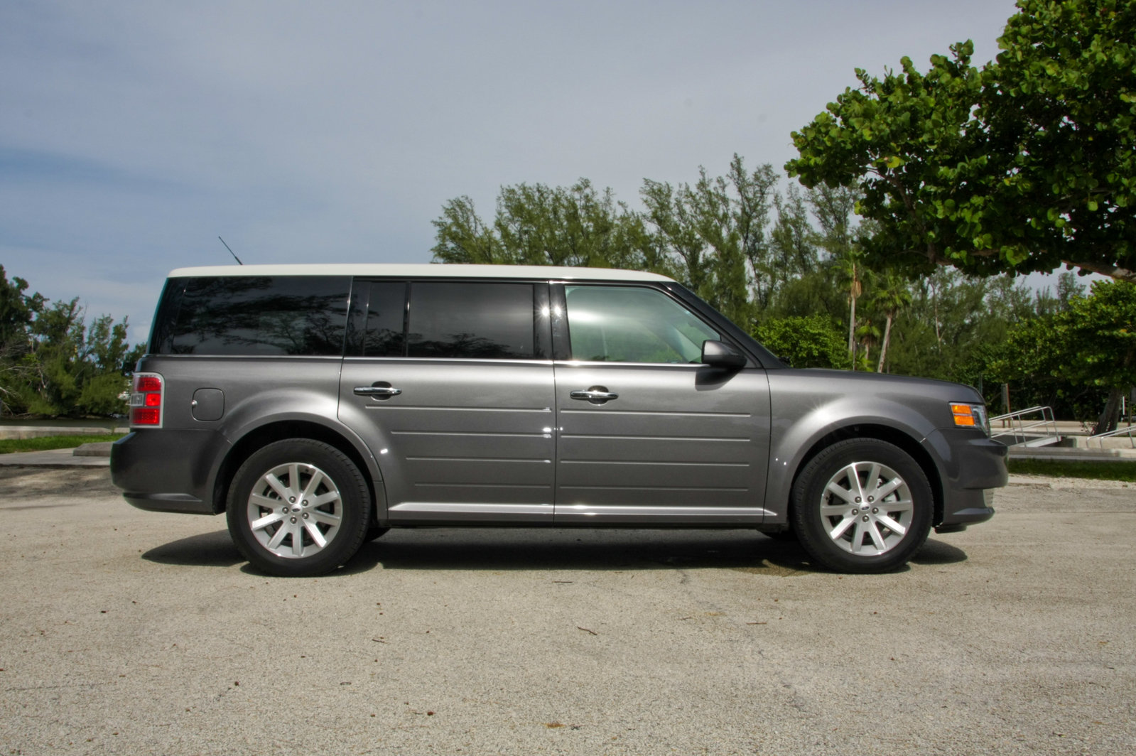 2009 ford flex sel fwd picture 262667 car review top for Garage ford paris 13
