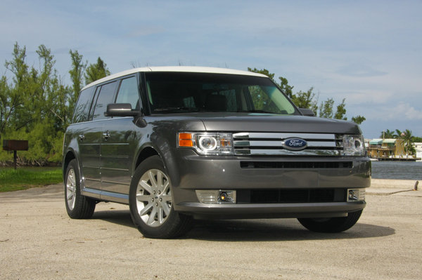 2009 ford flex sel fwd car review top speed. Black Bedroom Furniture Sets. Home Design Ideas