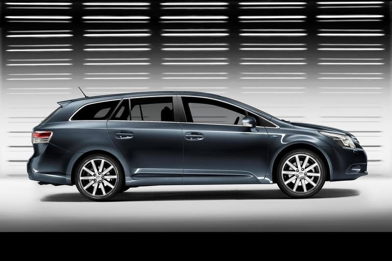 2009 Toyota Avensis - new images and details