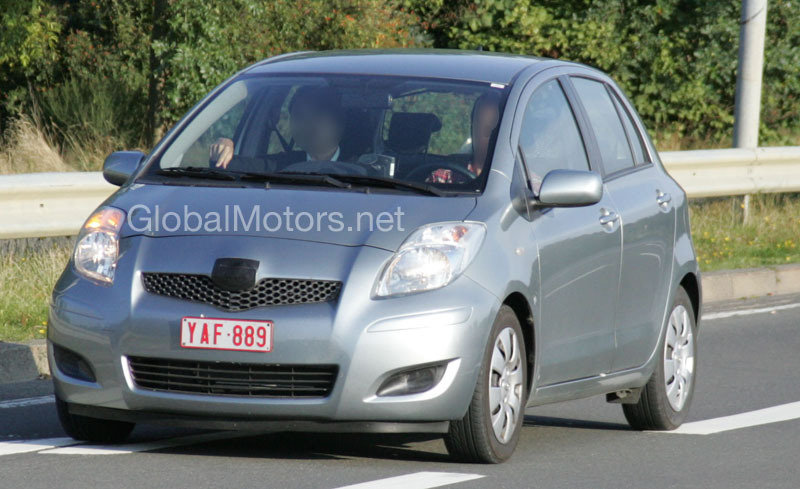 2009 Toyota Yaris facelift spy shots