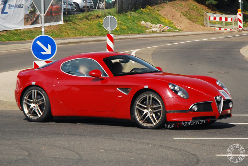 Alfa Romeo 8C GTA spy shot