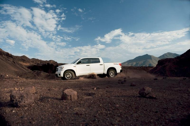 Toyota Tundra gets two new packages for 2009 - image 265157