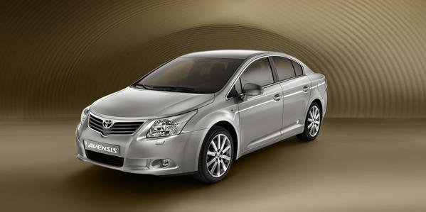 2009 toyota avensis review - top speed