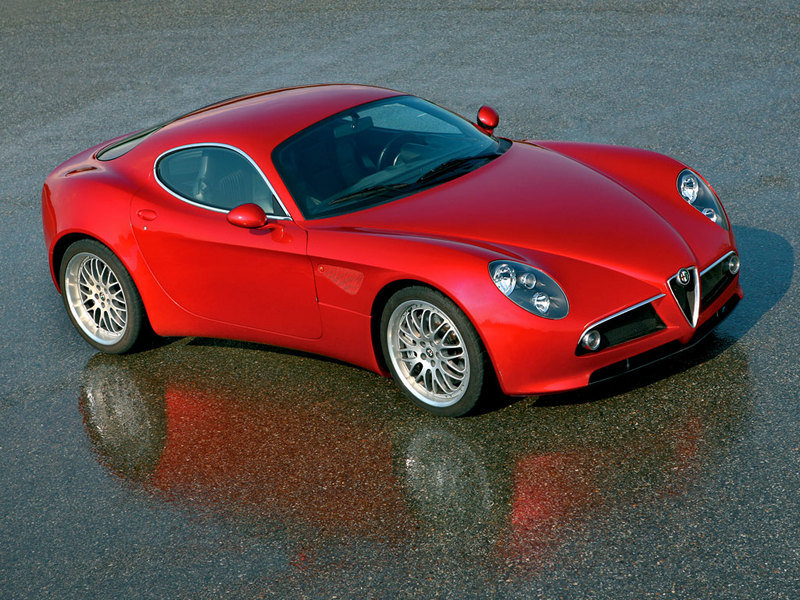 Alfa 8C Competizione on sale in US this month; sold out already