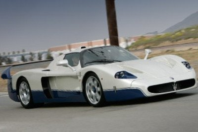 Maserati MC12 smashes Nürburgring Lap Record