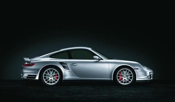 porsche 911 comes with new 19-inch rs spyder wheels picture