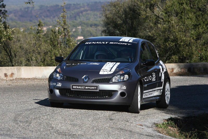 Renault Clio reveives new Sport R3 Access kit