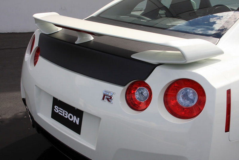 Seibon releases carbon-fiber accesories for the Nissan GT-R - image 266627