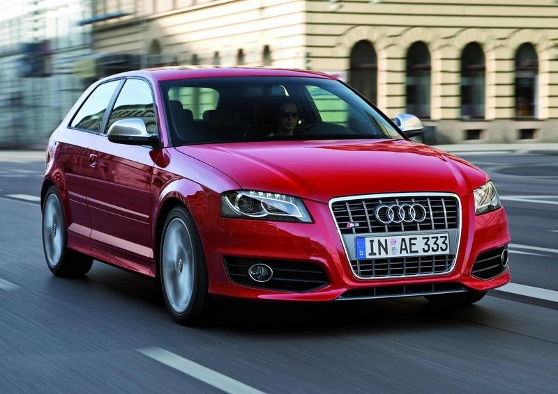 Audi S3 and S3 Sportback get S-tronic transmission