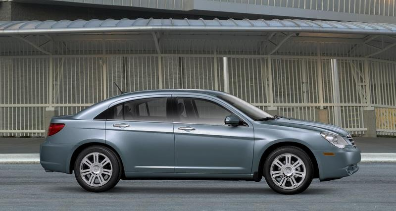 Chrysler Corp. updates three vehicles for 2009
