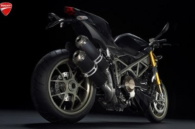 Ducati StreetFighter now unveiled