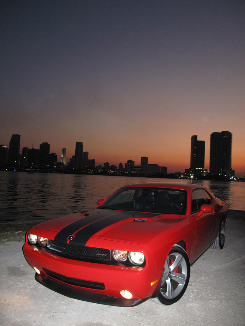 2009 dodge challenger srt8 review top speed. Black Bedroom Furniture Sets. Home Design Ideas